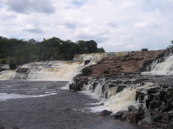Orinduik_Falls_Sept_2007