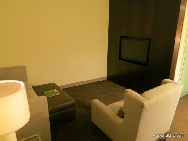 Junior Suite: Living Room/Sitting Area