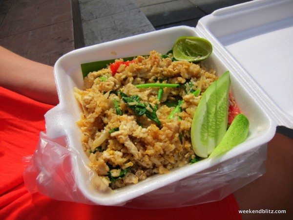Rice with chicken for 40 baht ($1.30!)