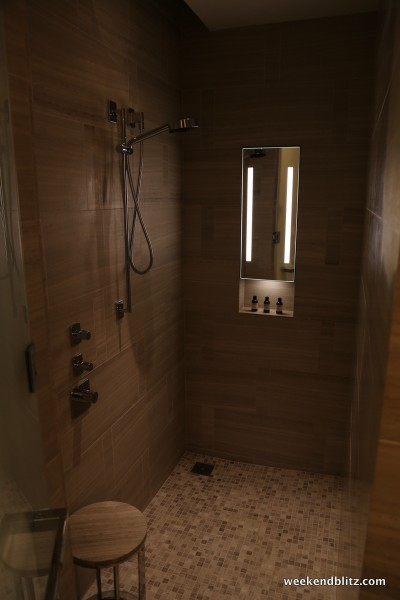 Park Studio Suite shower