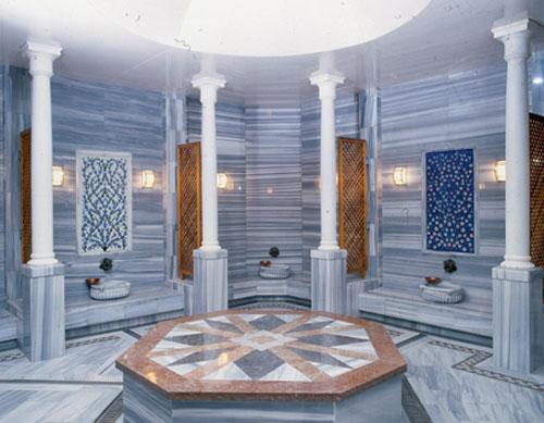 The marble sauna room at Süleymaniye Hamam